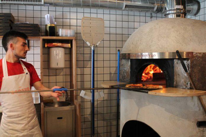 Horno de leña del restaurante Grosso Napoletano, Javier Mesa