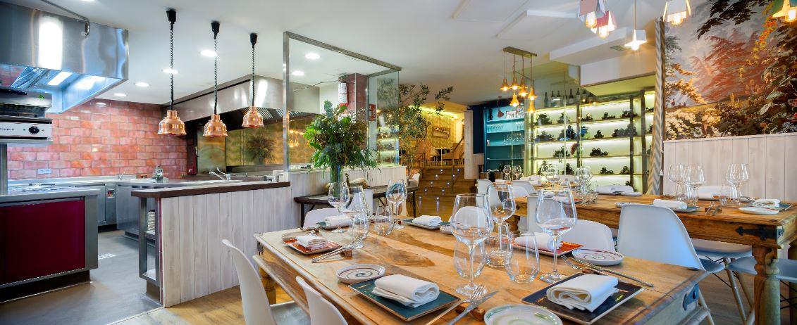 La Tirolina de Aravaca apuesta por la cocina a la vista.