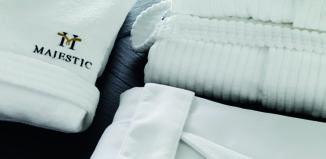 Vayoil Textil lanza un albornoz que necesita menos agua para ser lavado