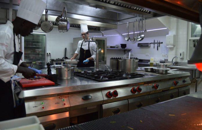 equipamiento cocina restaurante komfort - foto maria veiga