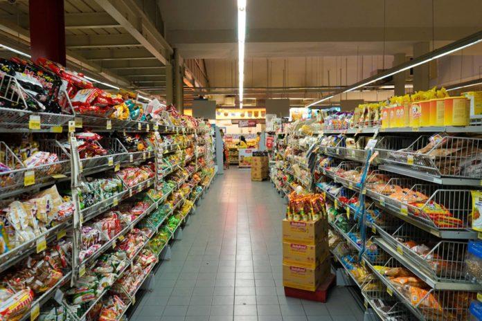Los supermercados se postilan como un nuevo segmento para el negocio del equipamiento hostelero.