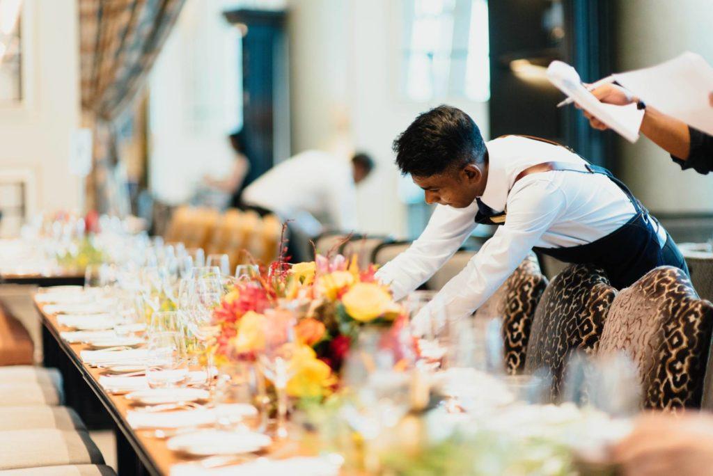 hosteleria camarero restaurante