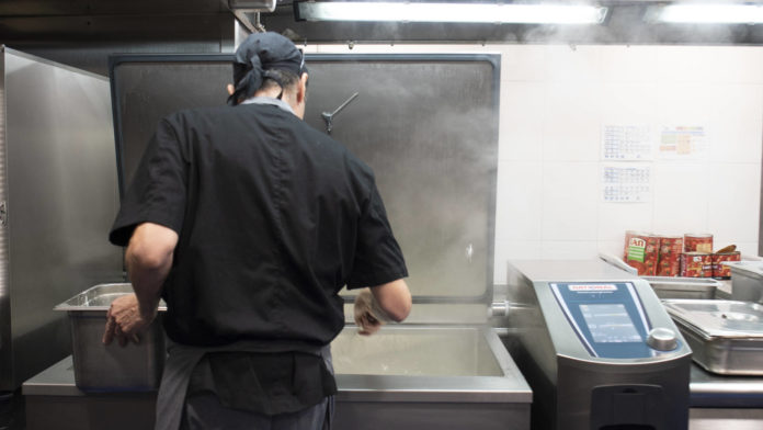 Chef con variocookingcenter de rational